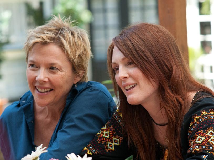 Julianne Moore i Annette Bening grają  parę lesbijek wspólnie wychowujących córkę