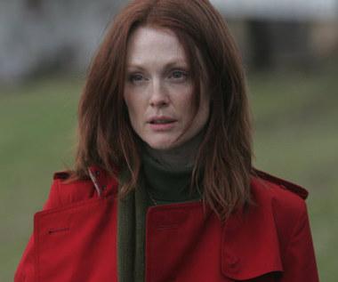 Julianne Moore jak Gillian Anderson?