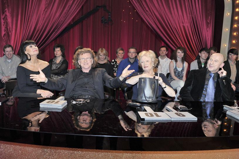"""Jurorzy """"Tańca z Gwiazdami"""": Iwona Pavlović, Zbigniew Wodecki, Beata Tyszkiewicz i Piotr Galiński (2010) /AKPA"""