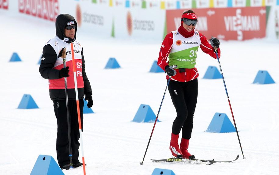 Justyna Kowalczyk i jej trener Aleksander Wierietielny podczas treningu dzień przed biegiem na 10 km stylem klasycznym na MŚ w Lahti /Grzegorz Momot /PAP