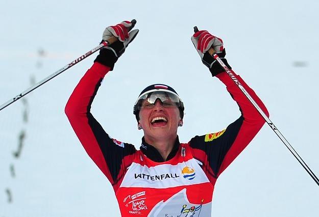 Justyna Kowalczyk zdeklasowała rywalki i wygrała bieg w Dobbiaco /AFP