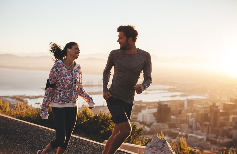 Już 30-40 minut joggingu wystarcza, by spowolnić procesy starzenia organizmu /©123RF/PICSEL