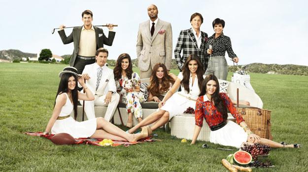 Już siódmy sezon podglądać będziemy rodzinę Kardashian. /materiały prasowe