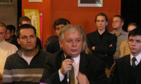 Kaczyński zapowiedział, że jako prezydent będzie romawiał z ludźmi /INTERIA.PL
