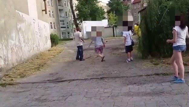 Kadr z bulwersującego nagrania /YouTube