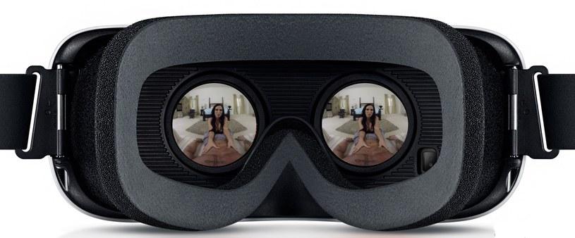 Kadr z filamu XXX nakręconego z myślą o goglach VR (w tym przypadku - goglach Gear VR) /materiały prasowe