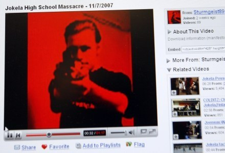 Kadr z filmu 'Jokela High School Massacre'. Gdzie leży wolność internetu? /AFP