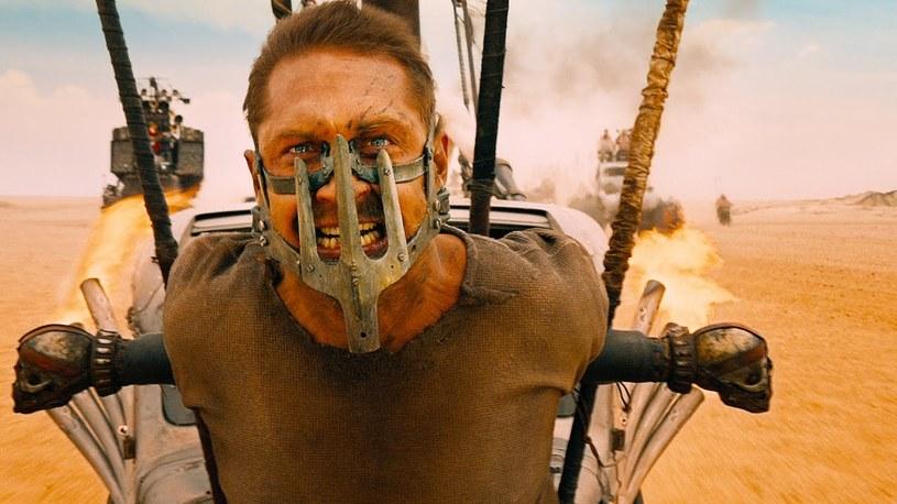 """Kadr z filmu """"Mad Max: Na drodze gniewu"""" /materiał zewnętrzny"""