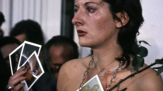 "Kadr z filmu ""Marina Abramović: Artystka obecna"" /materiały dystrybutora"