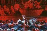 "Kadr z filmu ""Moulin Rouge"" /"