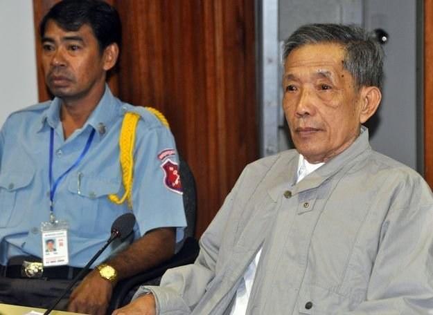 Kaing Guek Eav (z prawej) /AFP
