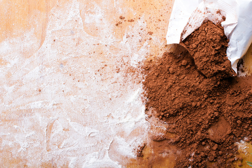 Kakao pozwoli na zastosowanie kosmetyku dziewczynom o ciemniejszych puklach /123RF/PICSEL