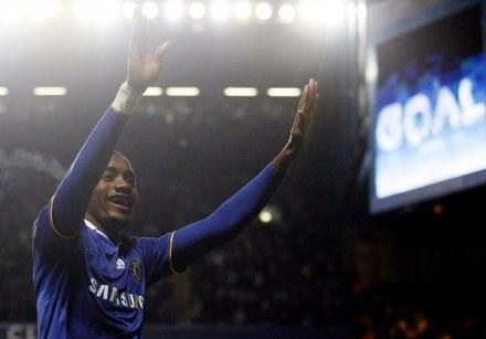 Kalou nie wyklucza zmian barw klubowych. Może się przenieść z Chelsea do Arsenalu /AFP