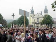 Kalwaria - pielgrzymi oczekujący na przyjazd papieża /RMF