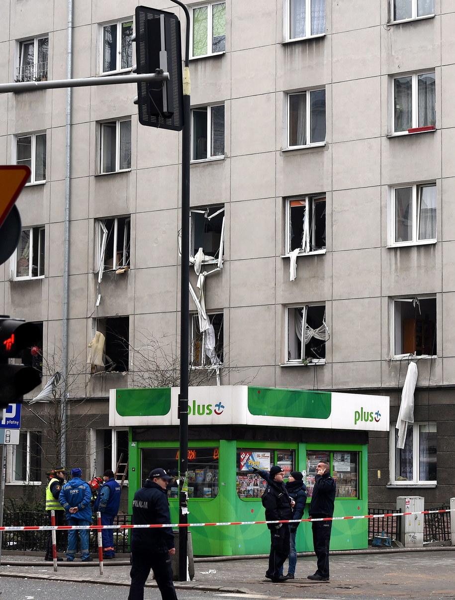 Kamienica przy ul. Noakowskiego w Warszawie, w której doszło do wybuchu /Radek Pietruszka /PAP