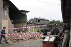Kamienica w Brzezinach dzień po wybuchu gazu