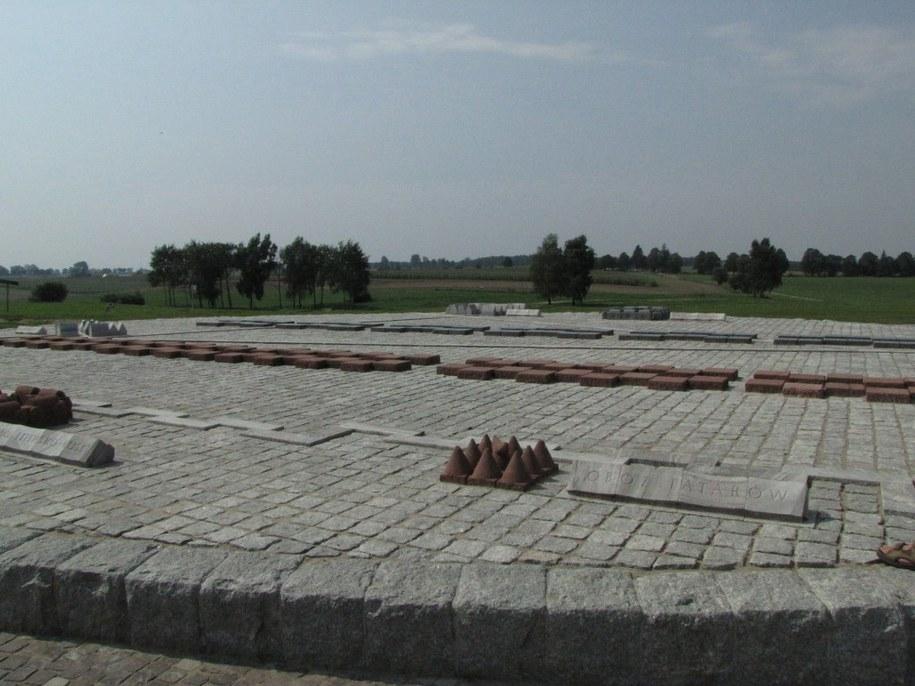 Kamienna makiera pokazująca rozstawienie wojsk przed bitwą  /Andrzej Piedziewicz /RMF FM