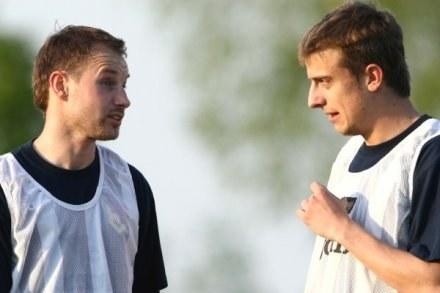 Kamil Grosicki (z prawej) nie słucha rad Tomasza Frankowskiego, fot: Łukasz Grochala /Agencja Przegląd Sportowy