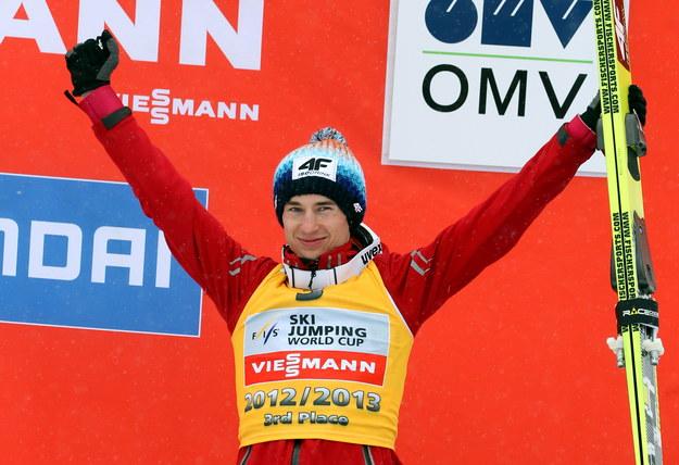 Kamil Stoch na podium po zakończeniu sezonu 2012/2013 /Grzegorz Momot /PAP