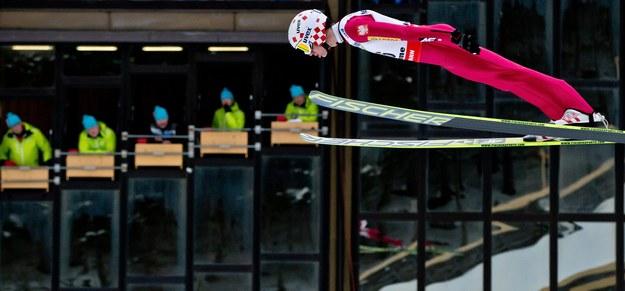 Kamil Stoch na skoczni w Predazzo /PAP/EPA