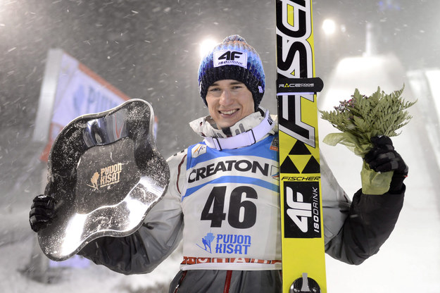 Kamil Stoch po triumfie w Kuopio /AFP