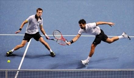 Kanadyjczyk Daniel Nestor i Serb Nenad Zimonjic /AFP