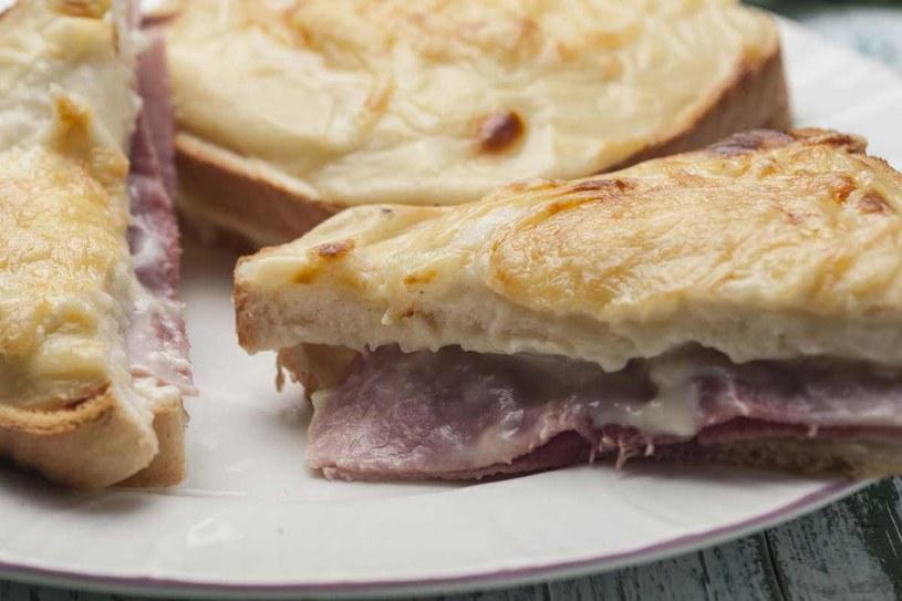 Kanapki Monte Cristo - to danie występuje w wielu wersjach! /123RF/PICSEL