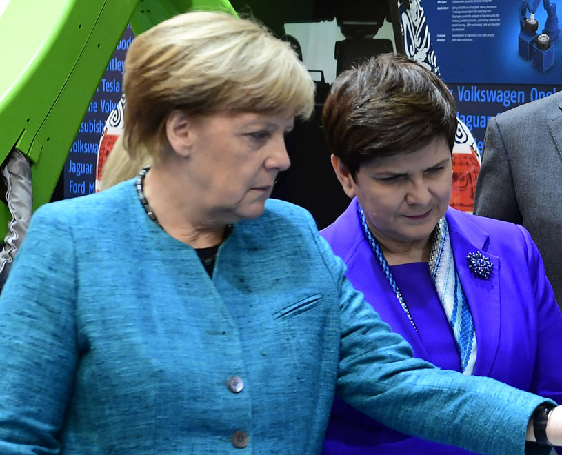 Kanclerz Angela Merkel i premier Beata Szydło /TOBIAS SCHWARZ /AFP