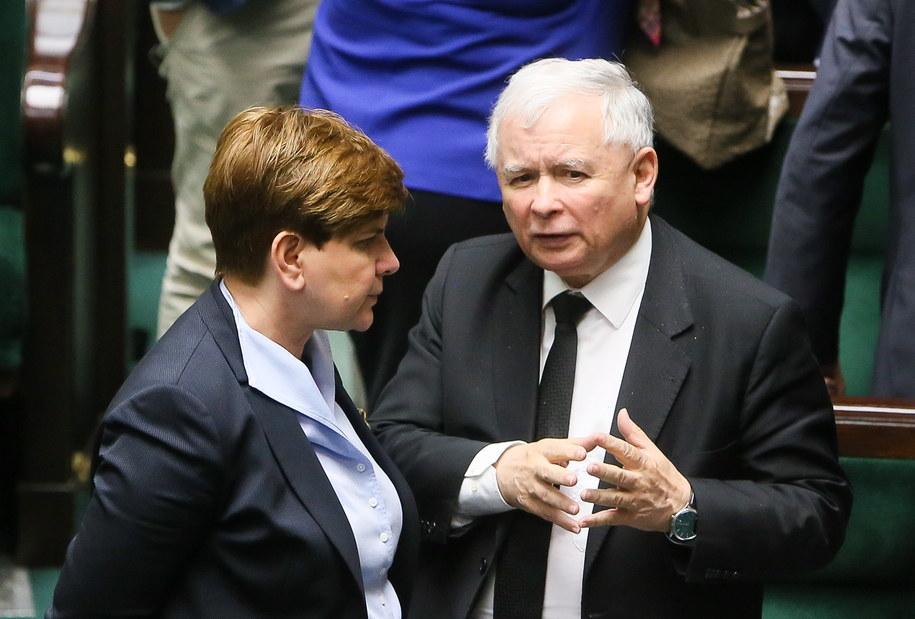 Kandydatka PiS na premiera Beata Szydło i prezes PiS Jarosław Kaczyński podczas posiedzenia Sejmu /Paweł Supernak /PAP