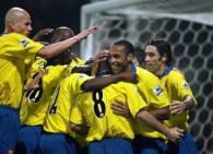 Kanonierzy cieszyli po bramce Henry'ego, ale po meczu mieli smutne miny /AFP