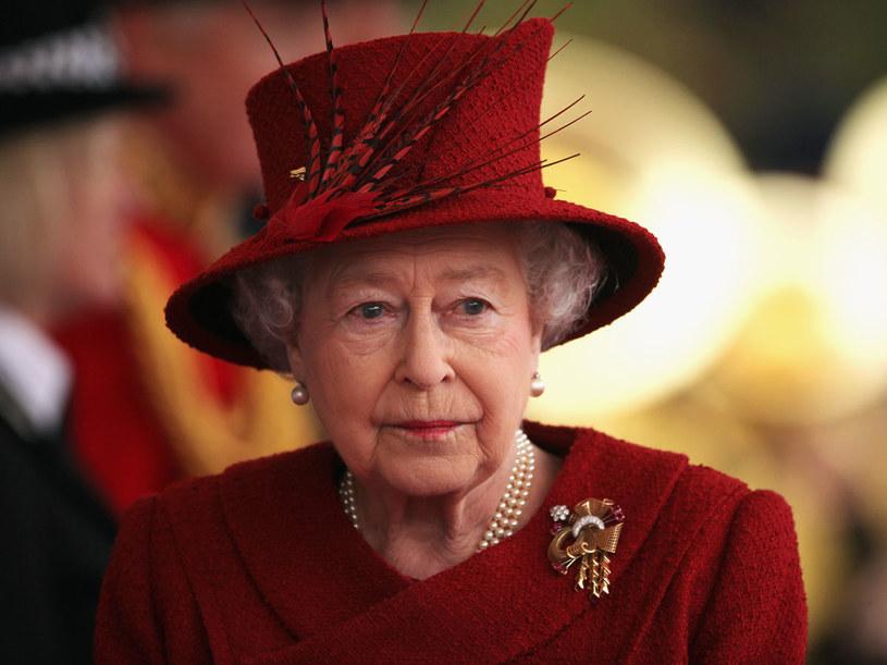 Kapelusze są nieodzownym dodatkiem mody królewskiej  /Getty Images/Flash Press Media