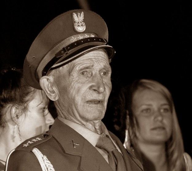 Kapitan Antoni Jabłoński, zdj. archiwalne z 2005 roku /LEON STANKIEWICZ/REPORTER /East News