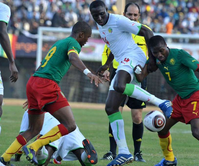 Kapitan pikarskiej reprezentacji Kamerunu Samuel Eto'o /AFP