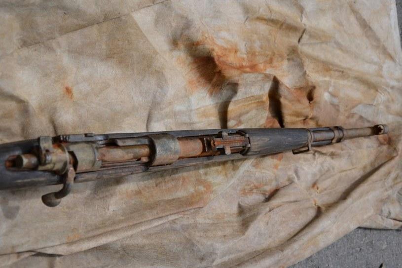 Karabin Mauser znaleziony w Dunajcu /Policja /INTERIA.PL/materiały prasowe
