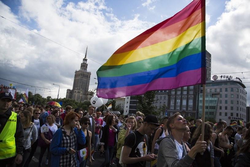 Karania za znieważanie we względu na orientację seksualna domagają się organizacje gejowskie /Andrzej Hulimka/Reporter /East News