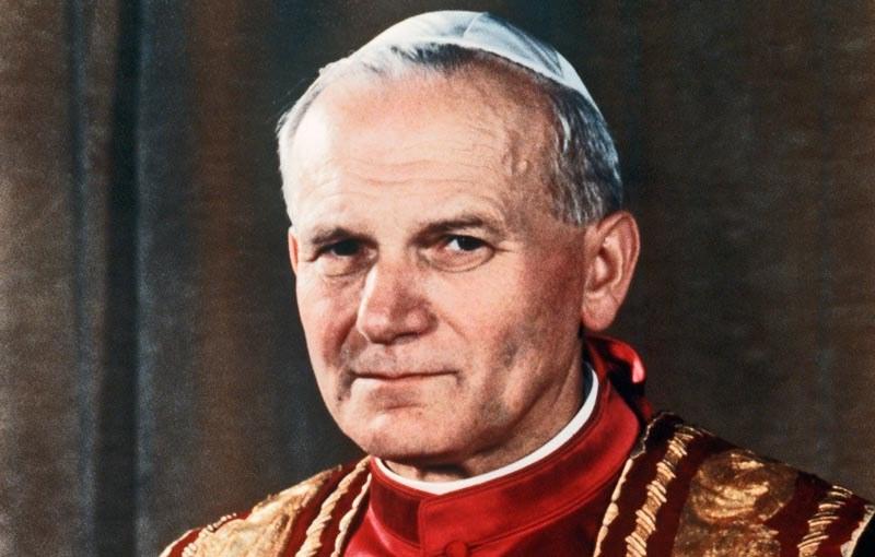Kard. Nycz: związek Jana Pawła II z odzyskaną wolnością - oczywisty. /AFP