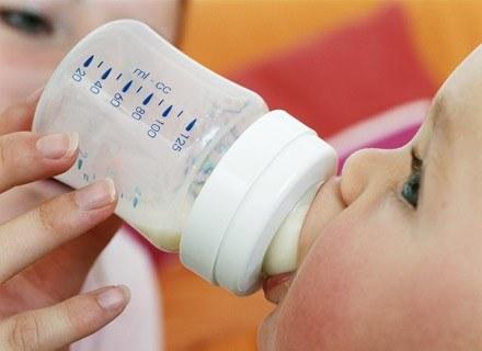 Karmienie piersią przynosi i dziecku, i matce ogromne korzyści
