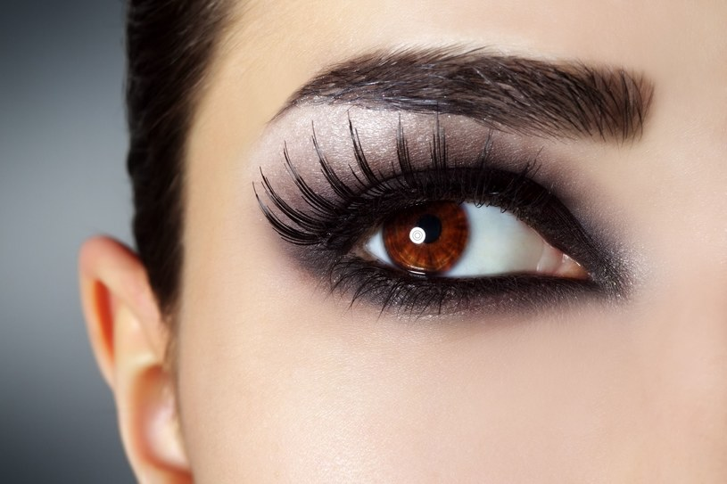 Karnawałowy makijaż /©123RF/PICSEL