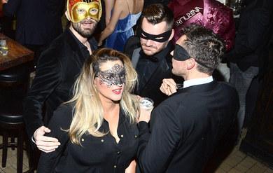 Karolina Szostak na balu maskowym! Tak wabi przyszłego męża?