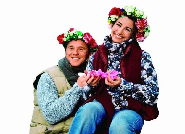 Kasia (Joanna Brodzik) i Tomek  (Paweł Wilczak) bardzo się różnią, ale właśnie w tym tkwi sekret ich udanego związku. /Mat. Prasowe