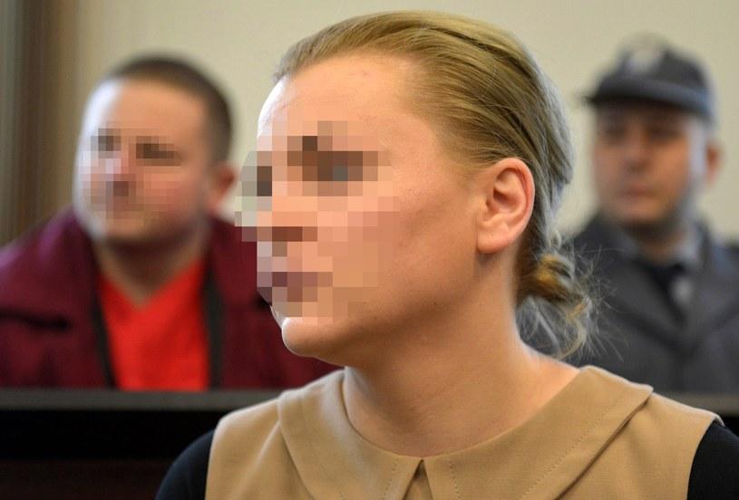 Katarzyna P. w sądzie. Na drugim planie jej mąż, Marcin P. /PAP/Adam Warżawa    /PAP