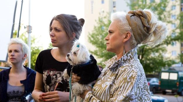 """Katarzyna Rosłaniec (L) na planie """"Baby Blues"""" z Katarzyną Figurą (P) /materiały dystrybutora"""