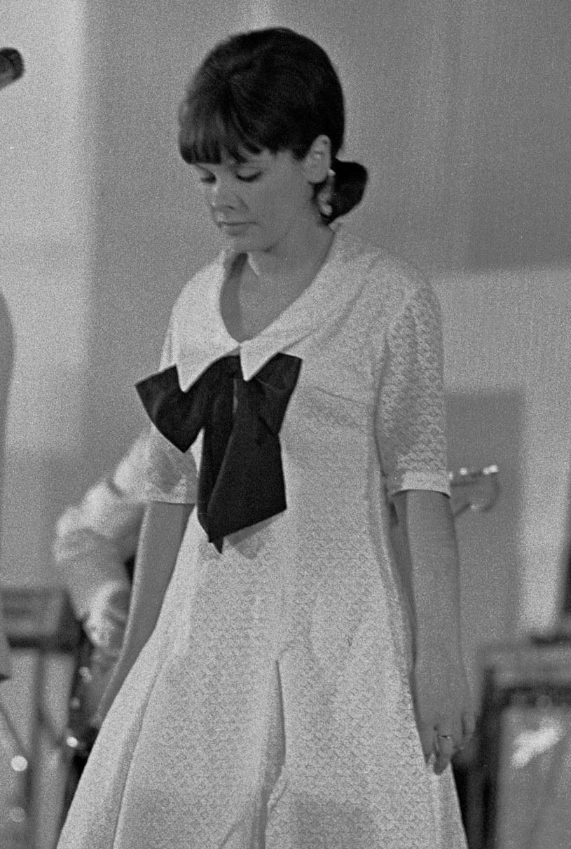 Katarzyna Sobczyk w Sopocie (1965 r.) /Aleksander Jalosiński /Agencja FORUM