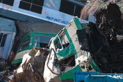 Katastrofa dwóch pociągów - strażacy przeszukują wagony