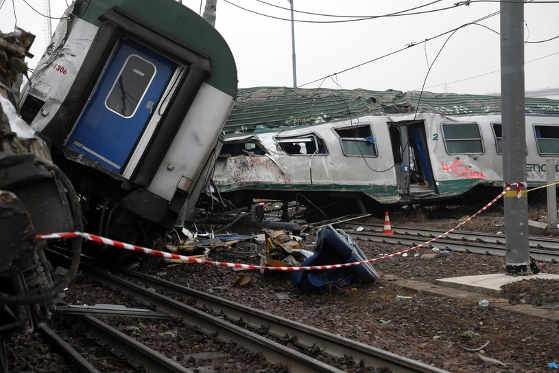 Katastrofa kolejowa pod Mediolanem /MATTEO BAZZI    /PAP/EPA
