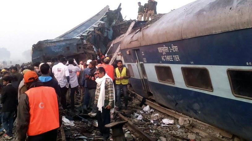 Katastrofa kolejowa w Indiach /AFP