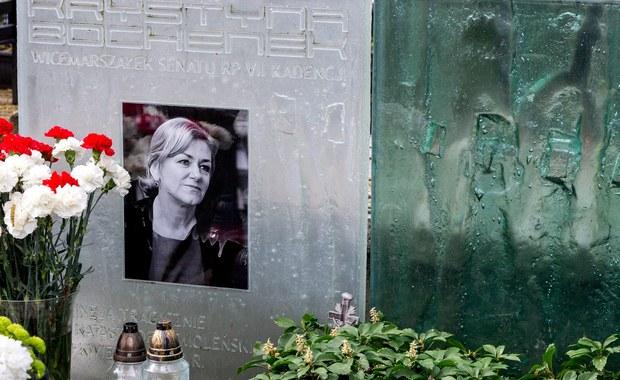 Katastrofa smoleńska. Ekshumowano Krystynę Bochenek - mimo sprzeciwu rodziny
