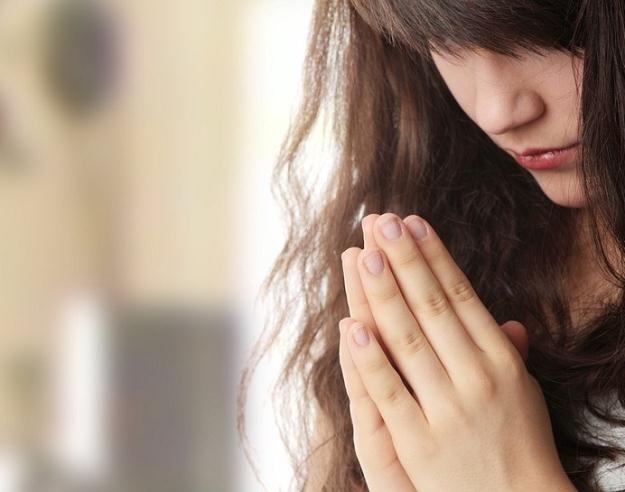 Katolik powinien pamiętać w niedzielę o wspólnej domowej modlitwie /© Panthermedia