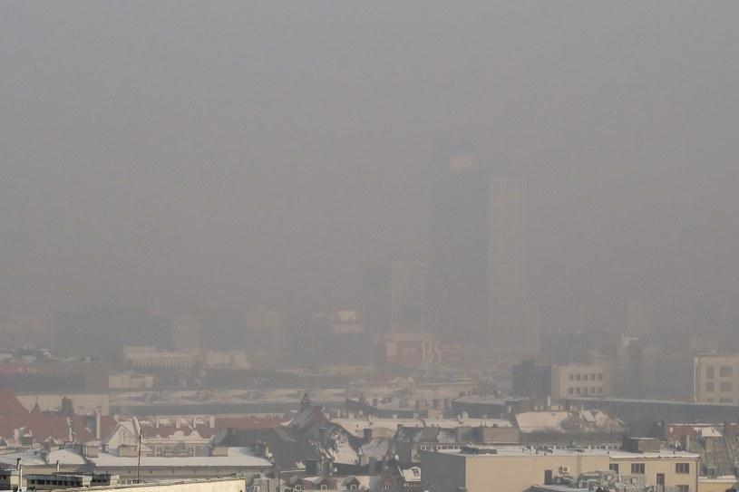 Katowice w smogu /Tomasz Kawka /East News