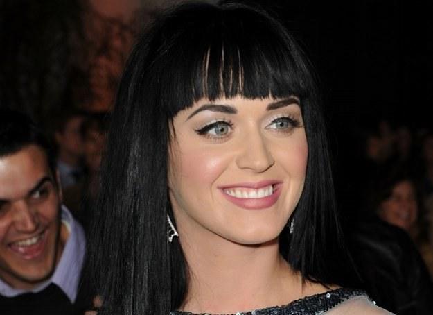 Katy lubi wyrazisty makijaż z mocno zaakcentowanymi ustami i rzęsami /© Panthermedia